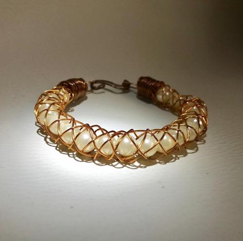 pulsera  de cobre  con perla   para dolores articulares gs