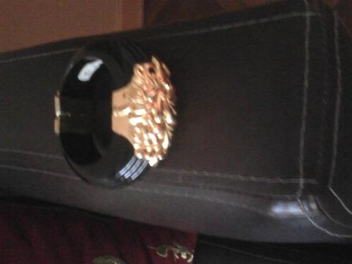 pulsera de mujer de materiales unicos solida con cierre iman