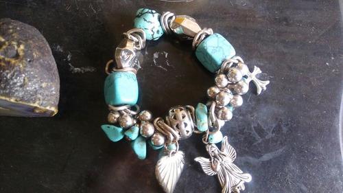 pulsera de turquesa con plata, de marca conocida importado.