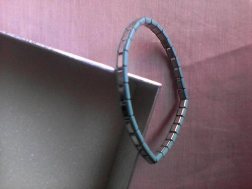 pulsera elástica de acero