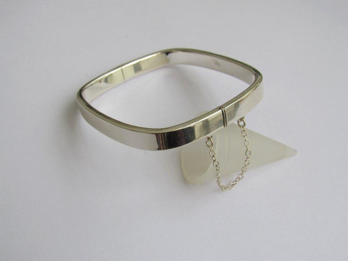 28772780a4b7 pulsera esclava cuadrada 7mm con cadena seguridad plata 925. Cargando zoom.