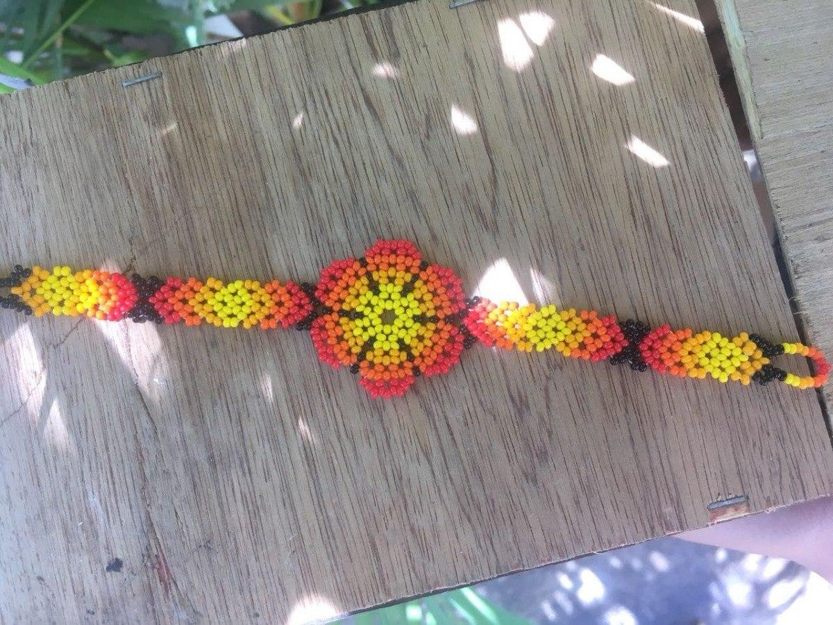 864ea896a0ef Pulsera Huichol Chaquira Flor De Sol Artesanal -   269.00 en Mercado ...