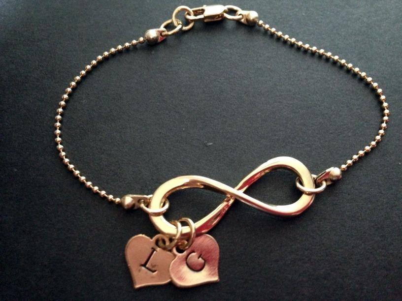 b55a64f8305b pulsera infinito dorada mamá personalizada cadena  somosgalu. Cargando zoom.