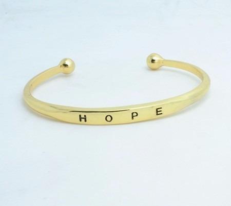 pulsera love enchapada cromada palabra hope en caja