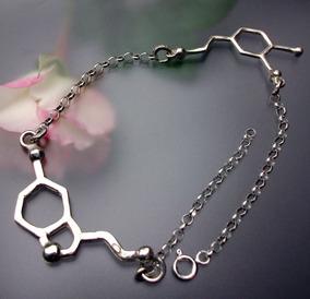 3cdb8f36835c Pulsera Molécula Amor Química Dopamina Serotonina Plata Ley