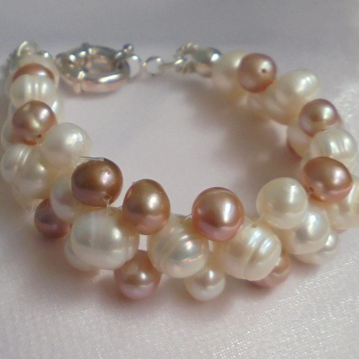 1b34aca6b5a1 pulsera perlas naturales cultivadas 2 colores y plata. Cargando zoom.