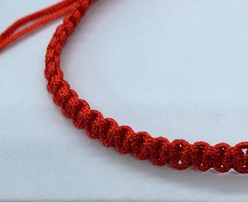 pulsera roja de protección simple. tamaño adulto.