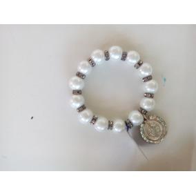 85e292c53209 Pulsera Perlas Con Medalla San en Mercado Libre México