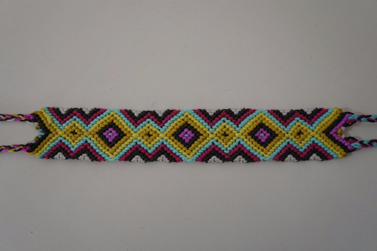 825a57f0aae3 pulseras anchas macrame variados diseños y colores! Cargando zoom.