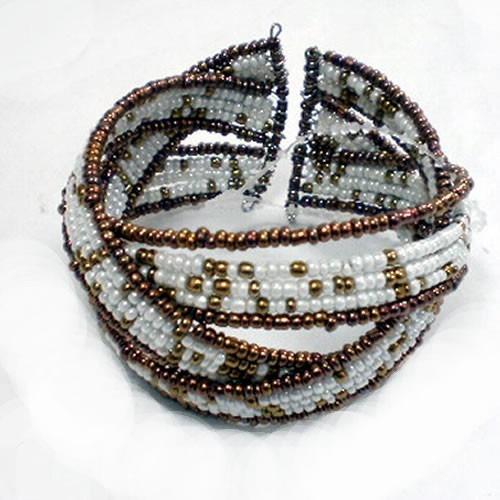 pulseras de bronce y mostacilla accesorio de moda bijouterie