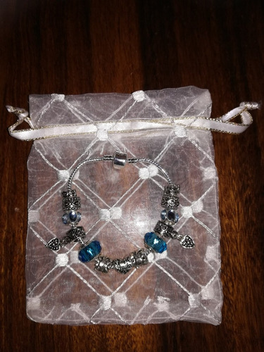 pulseras de plata laminada con charms