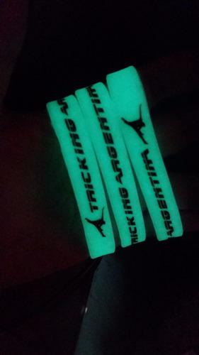 pulseras de silicona personalizadas, estampadas bajo relieve
