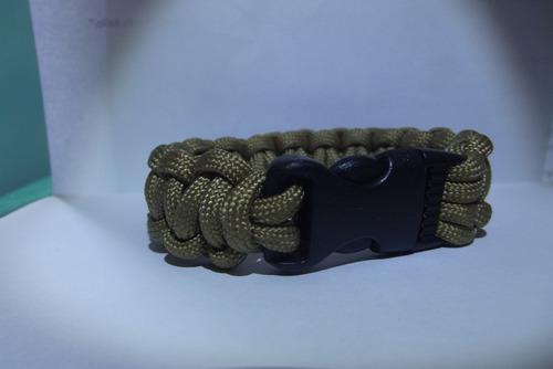 pulseras o brazaletes de paracord, supervivencia, airsoft