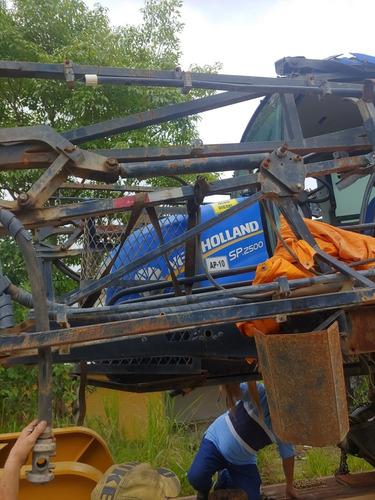 pulverizador new holland 2500 sinistrado