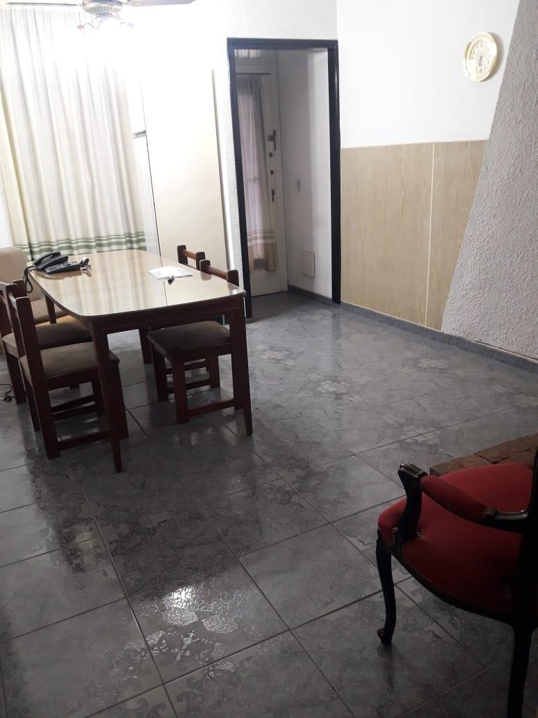 pumacahua 480/ ph 3 ambientes/ a la calle  76m2 / u$s135.000