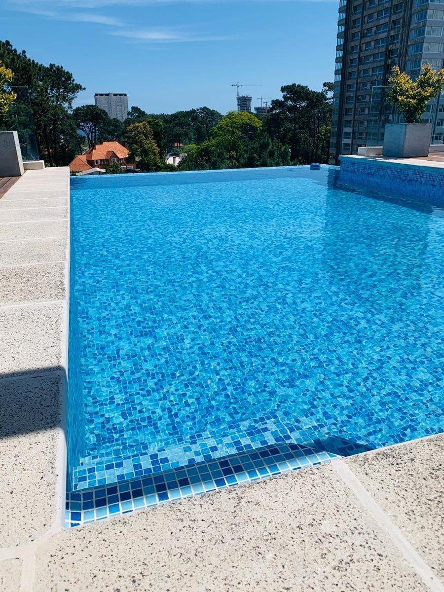 punta del este 2 dorm amenities piscina cochera gym sum