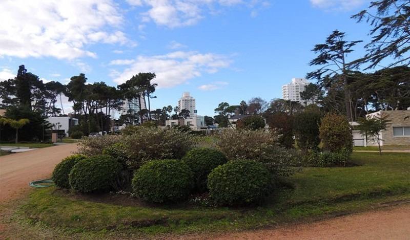 punta del este. barrio privado  boulevard park . lote con muy buena orientación.- ref: 253