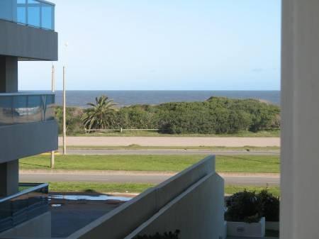 punta del este uruguay alquiler de departamento fte al mar