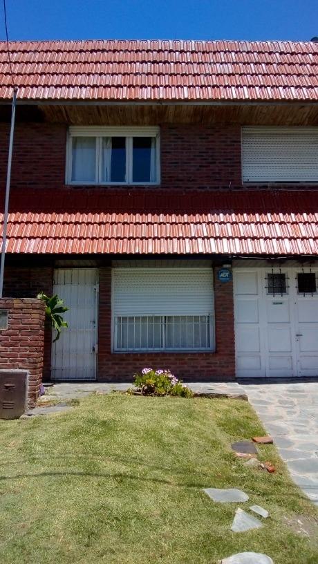 punta mogotes casa 4 ambientes 2 baños garaje 4 cuadras mar