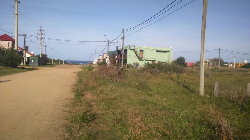 punta rubia calle principal a 1 cuadra del mar