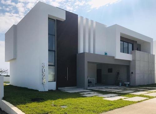 punta tiburon, marina y golf, casa en venta con alberca, área de tv y 3 recámaras