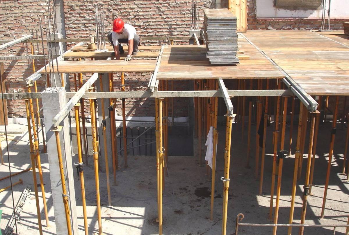 Puntales y encofrado de techo losa s 1 00 en mercado for Losa techo