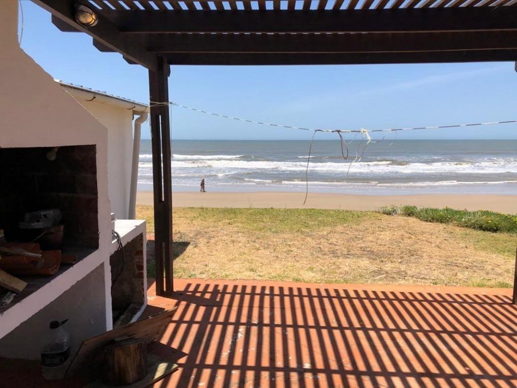 punto río | marymar: muy linda casa frente al mar