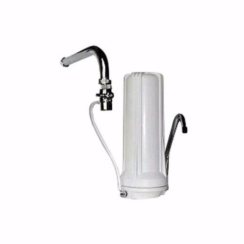 purificador de agua sobre mesada