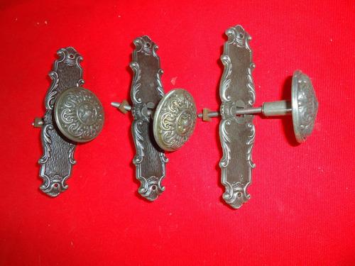 puxador antigo  pegador  medalhão  zamac três unidades