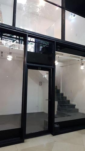 pza.san martin - galeria del este - local 37 mts -doble frente c/patio (muy luminoso)