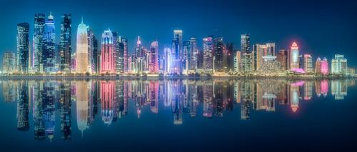qatar de noche ch. canvas cuadro decorativo