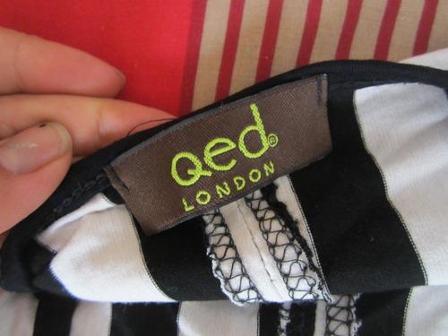 qed london - camiseta abierta en la espalda
