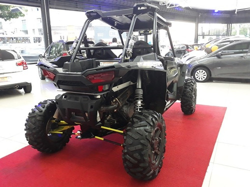 quadriciclo polaris rzr 1000