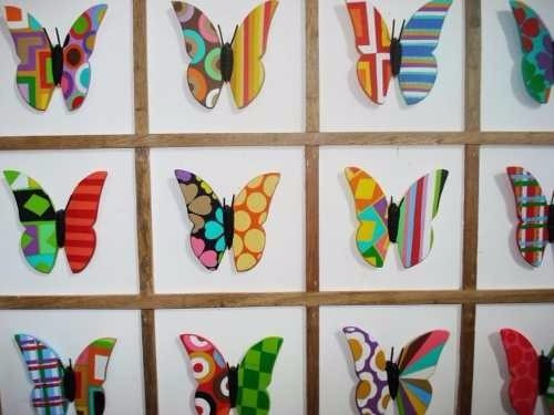 quadro borbaletas moldura pintada (60 x 75)cm