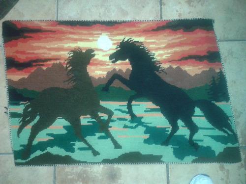 quadro com dois cavalos bordado (only wood)