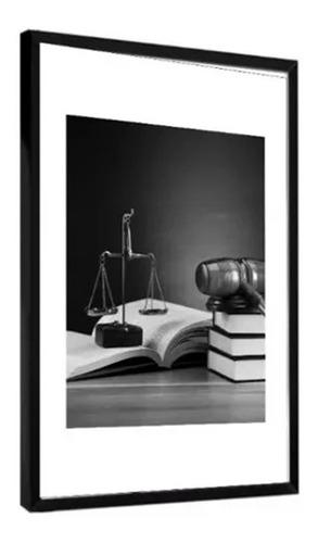 quadro decorativo advocacia livros balança preto e branco