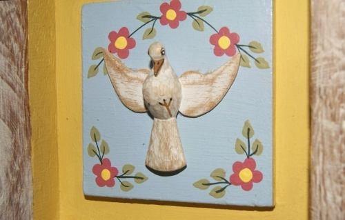 quadro divino espírito santo madeira com paspatour (17x17cm)