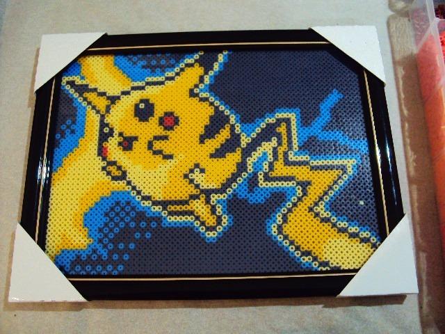Quadro Pikachu Pokemon Perler Bead 24x32cm Com Vidro