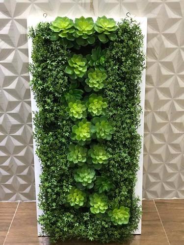 quadro verde com folhagens artificiais  0,80 x 0,40 cm