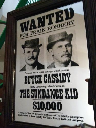 quadro wanted for train robbery impresso em espelho (inglês)