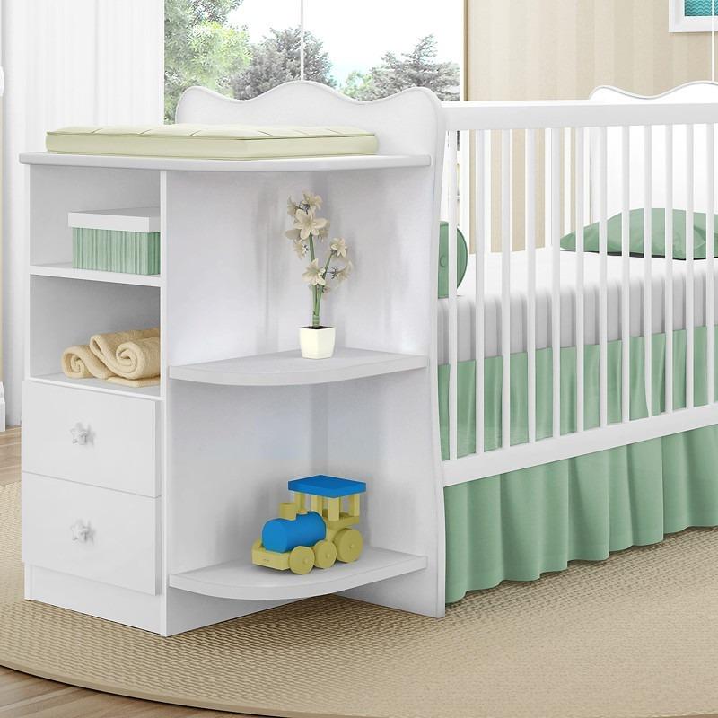 dfe7a6e24f505e Quarto Infantil Branco Azul Berço E Roupeiro Com Prateleiras