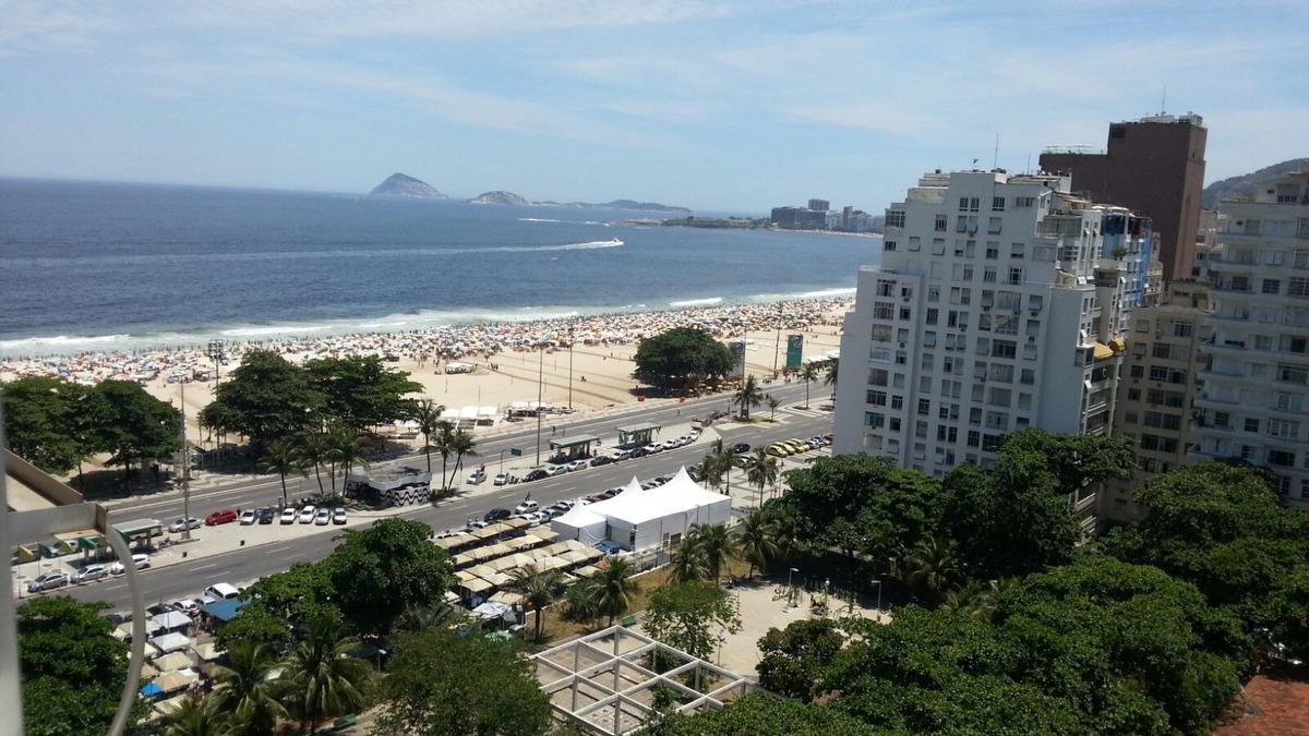 quato e sala vista praia de copacabana