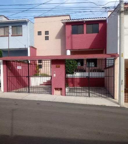 queretaro, tejeda, linda casa recien valuada en venta!