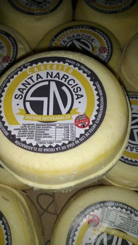 quesos ahumados y saborizados
