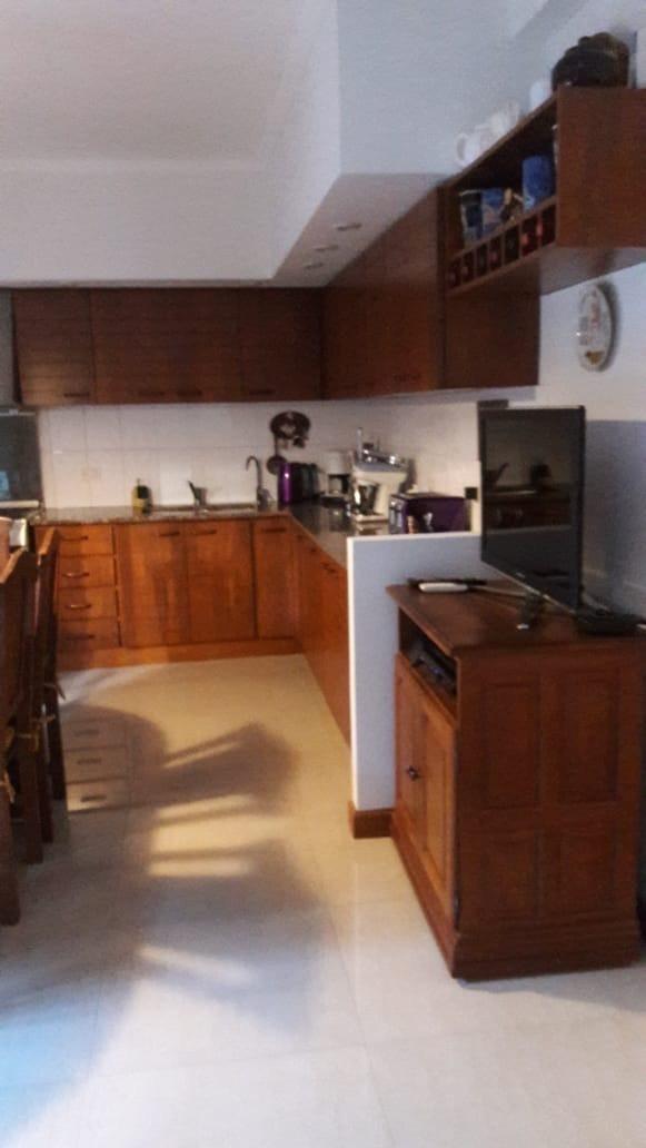 quilmes, casa a la venta con 3 dormitorios y cochera
