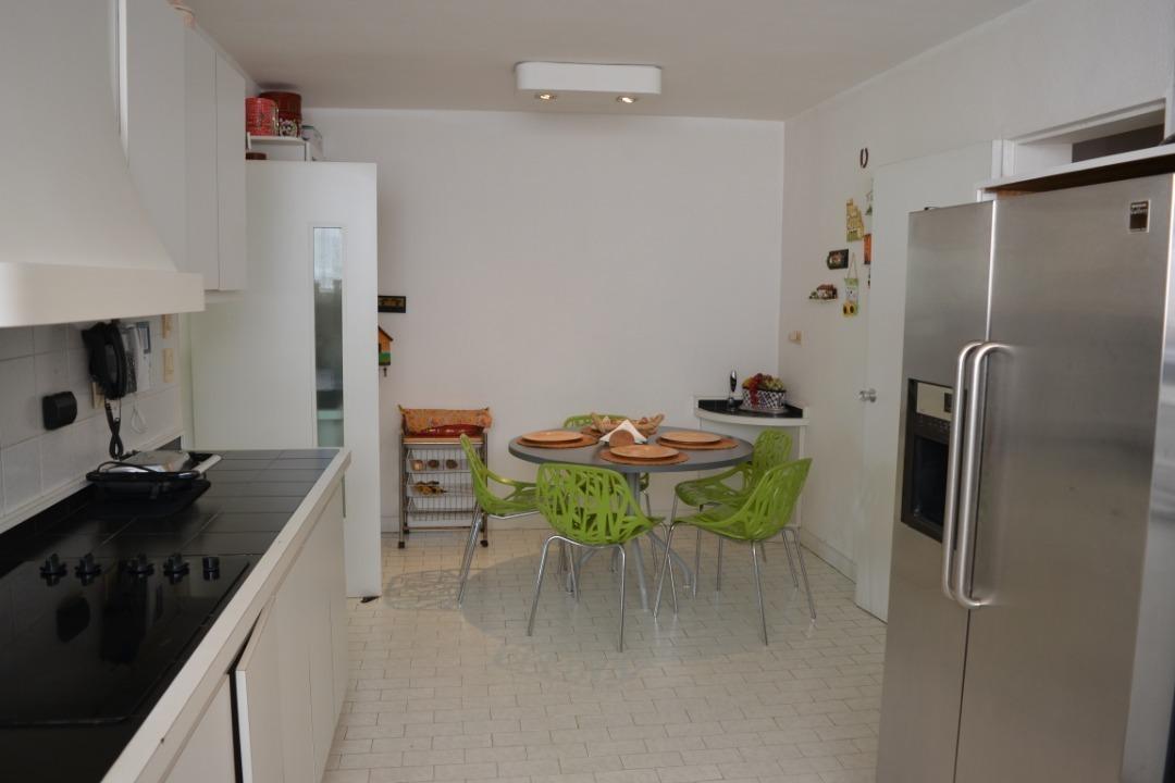 quinta 4 ambientes muy bien definidos y diseñados