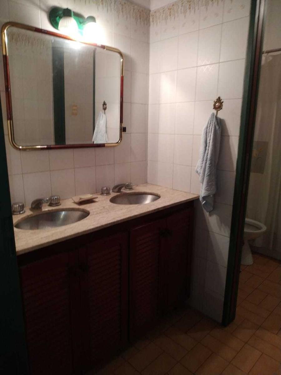 quinta 4 ambientes  quincho pileta 3 baños lote 2000m2