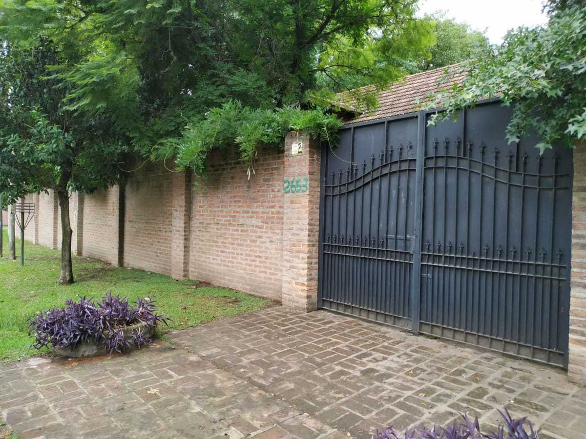 quinta casa 4 ambientes quincho pileta 3baños lote 2200m2