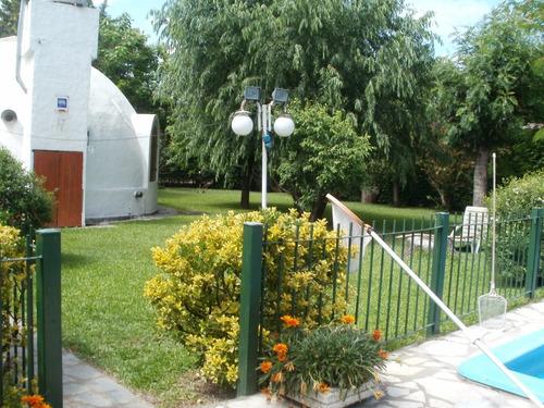 quinta en barrio cerrado montecarlo, pileta, quincho, parque