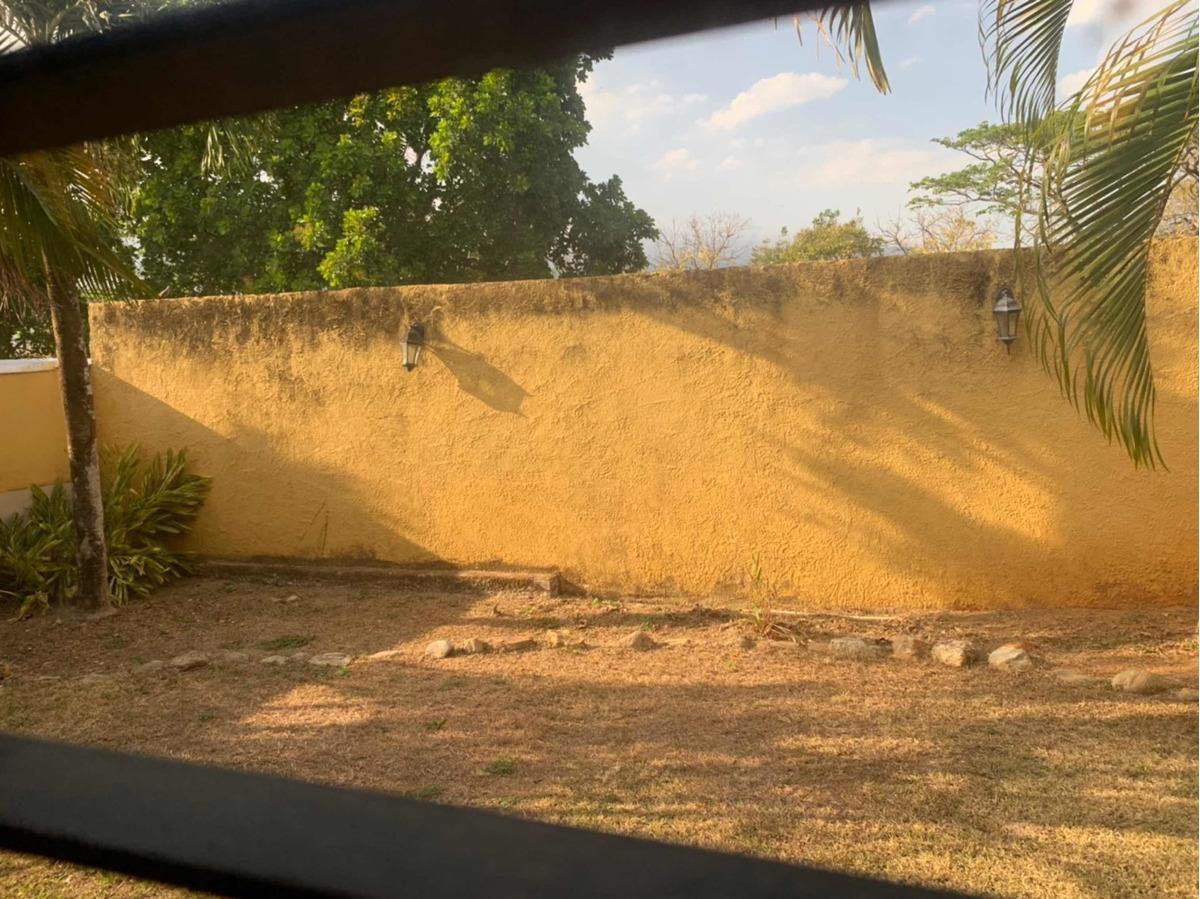 quinta en venta conj res villa laguna norte urb guataparo